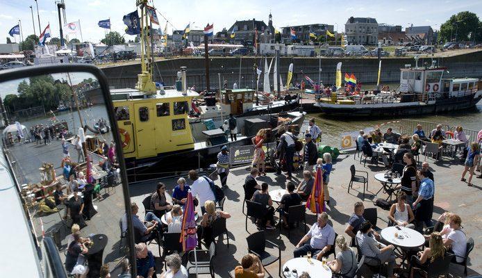 Duizenden bezoekers genoten van de zon en bootjes bij Tiel Maritiem 2017